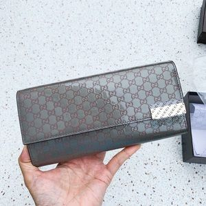 NWT Authentic Gucci ..